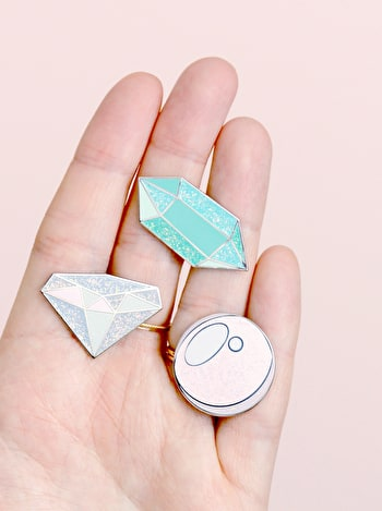 Photo of Aquamarine / March - Enamel Pin