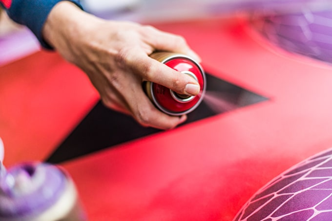 A Guide to Spray Paint Features and Brands