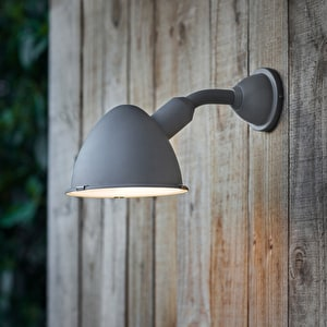 Cheyne Outdoor Light