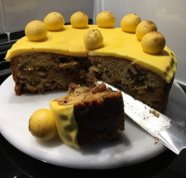 Simnel Cake - share with friends and family!