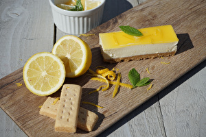 Summer Lemon Cheesecake