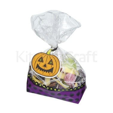 Spookily Does It Pack of 30 Halloween Treat Bags Kits