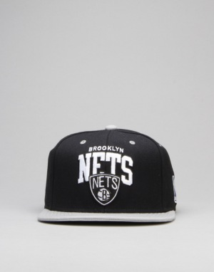 Mitchell & Ness NBA Brooklyn Nets Team Arch Snapback Cap - Black/Grey