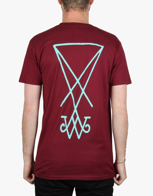 Welcome Symbol T-Shirt - Burgundy /Teal