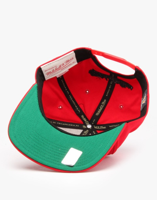 Mitchell & Ness NHL Chicago Blackhawks Diamond Logo Snapback Cap - Red