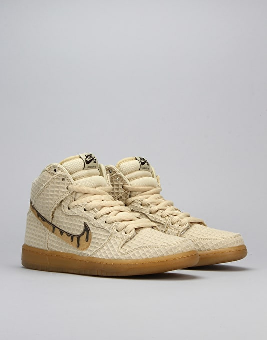 Nike SB Dunk High Premium SB Skate Shoes - Fit Gold Star/Classic Brown