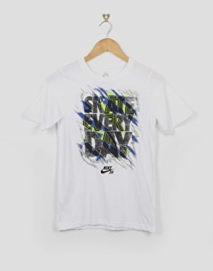 Nike SB Ripped Slogan Boys T-Shirt - White