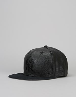 New Era 9Fifty MLB New York Yankees Leather Snapback Cap - Black/Black