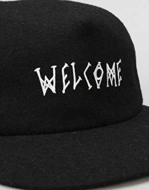 Welcome Scrawl Unstructured Slider Cap - Black
