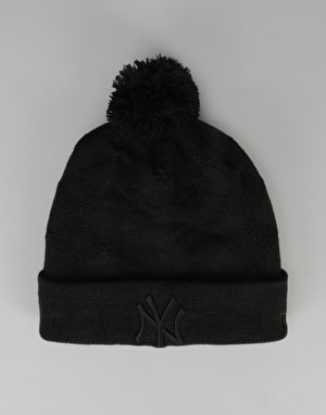 New Era MLB New York Yankees Woven Jacquard Bobble Beanie - Black