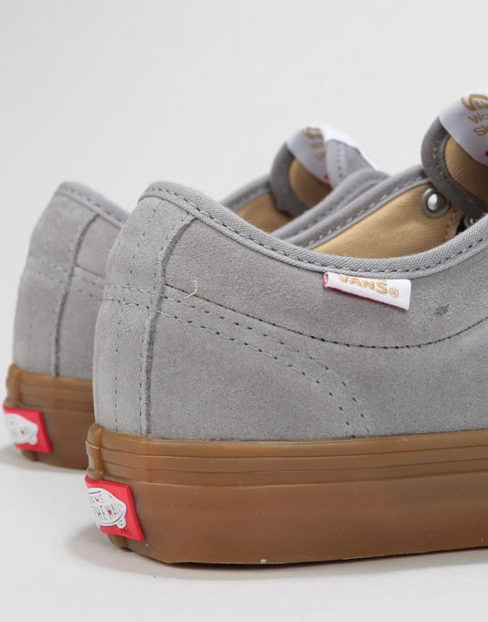 Vans Chukka Low Pro Skate Shoes - Frost Grey/Gum