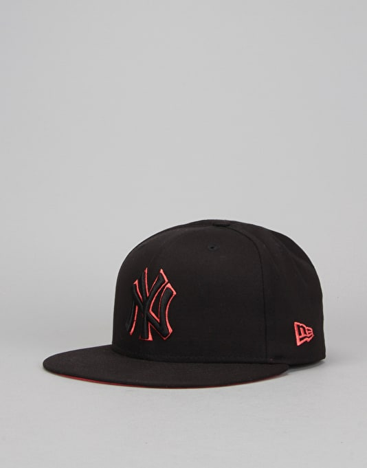 New Era 9Fifty MLB New York Yankees Outline Snapback Cap - Black ... a99a33eabc78