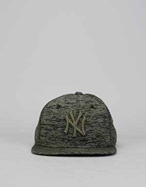 New Era 9Fifty MLB New York Yankees Engineered Snapback Cap - Olive