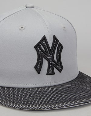 New Era 9Fifty MLB New York Yankees Team Snapback Cap - Grey/Blue
