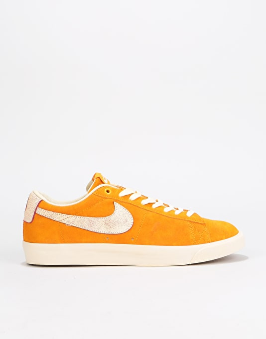 check out 192c0 3fd87 ... where can i buy nike sb zoom blazer low gt qs skate shoes circuit orange  team ...