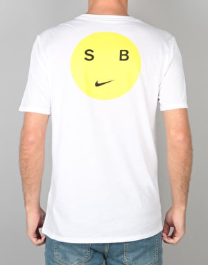 Nike SB Dry DB Smiley T-Shirt - White/Opti Yellow