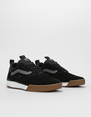 Vans Ultra Range Pro Skate Shoes - Black/Gum/White