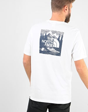 The North Face S/S Red Box Celebration T-Shirt - TNF White/Urban Navy
