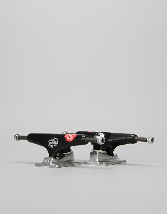 Royal Jumbo Crown 5.25 Standard Team Trucks - Black/Black