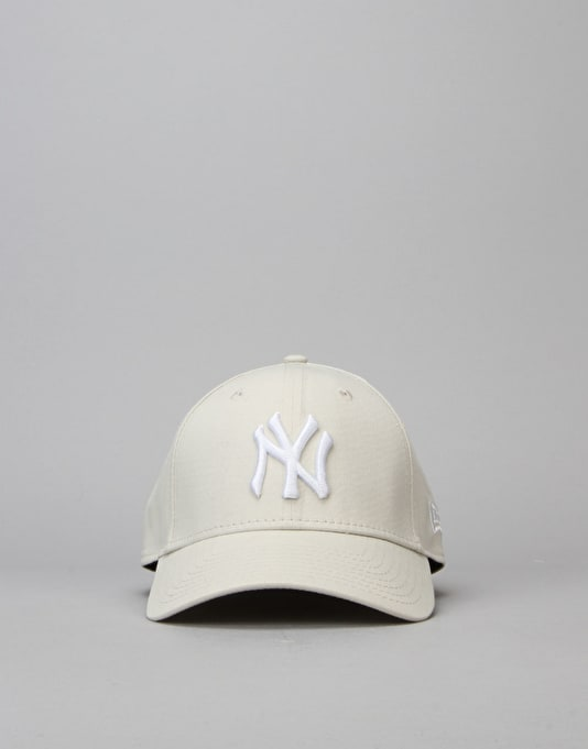 New Era 39Thirty MLB New York Yankees League Basic Cap - Stone