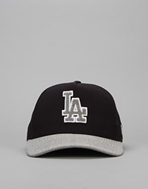New Era MLB Los Angeles Dodgers Team Chenille Logo Cap - Blue