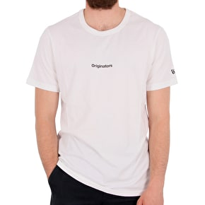 New Era Originators Mini Script XL T-Shirt - White