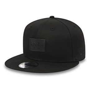 New Era 9Fifty Rubber Script Patch Snapback Cap - Black/Black