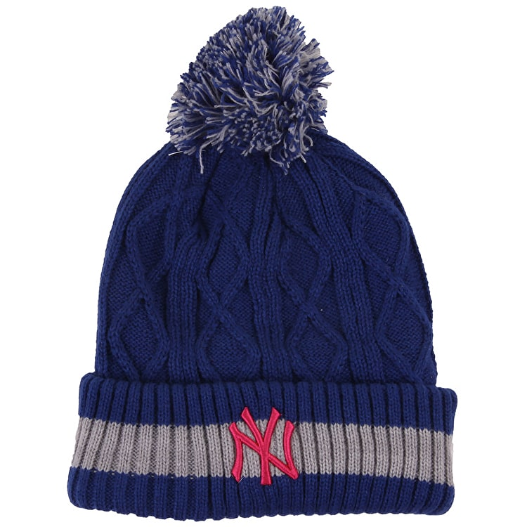 New Era Women's Beanie- NY Yankes Team Plait Knit