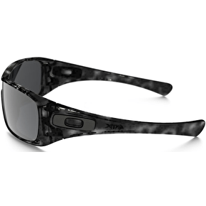 Oakley Antix Sunglasses - Black Tortoise/Black Iridium