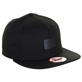 New Era 9Fifty Metal Badge Cap - Black