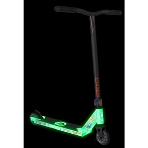 Crisp Glow In The Dark Blaster Complete Scooter - White/Satin Grey